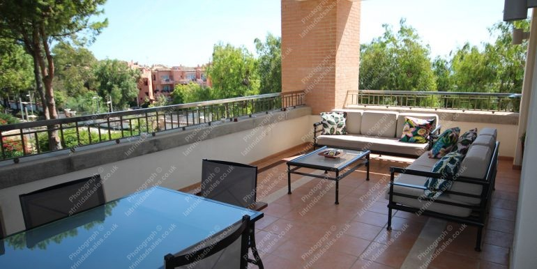 Luxury Apartment for Sale, La Trinidad Marbella - South-East Facing, 3 Bed, 3 Bath, First Floor - 01