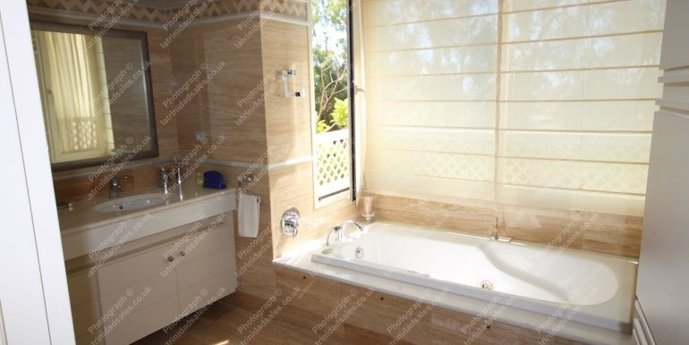 Bathrooms - Luxury Apartment for Sale, La Trinidad Marbella - South-East Facing, 3 Bed, 3 Bath, First Floor - 04