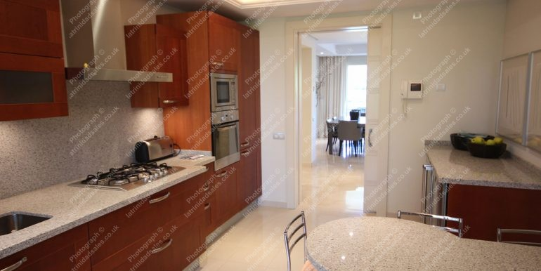 Kitchen - Luxury Apartment for Sale, La Trinidad Marbella - South-East Facing, 3 Bed, 3 Bath, First Floor - 07