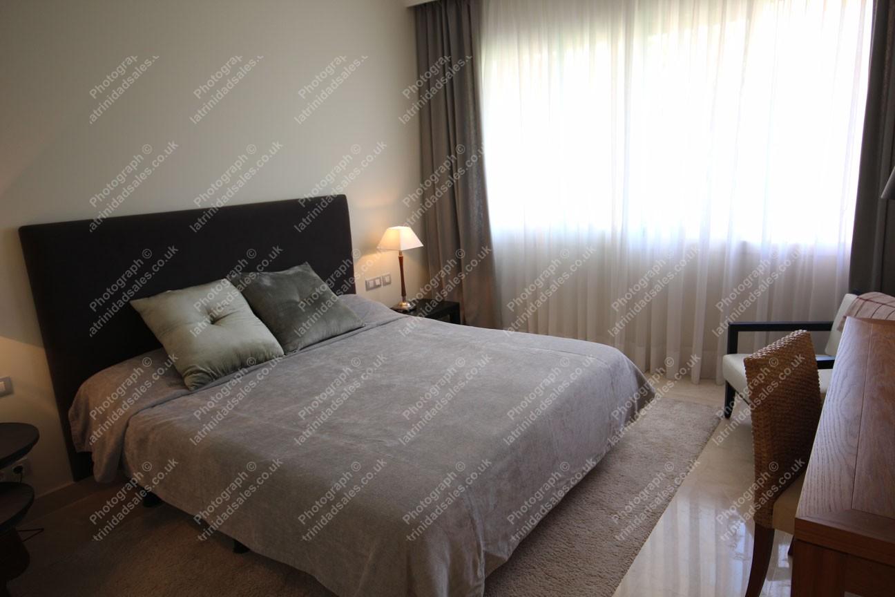 bedroom luxury apartment for sale la trinidad marbella